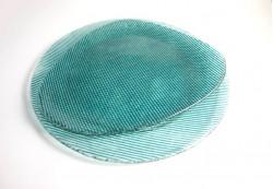 Plato circular e irregular en color aguamarina