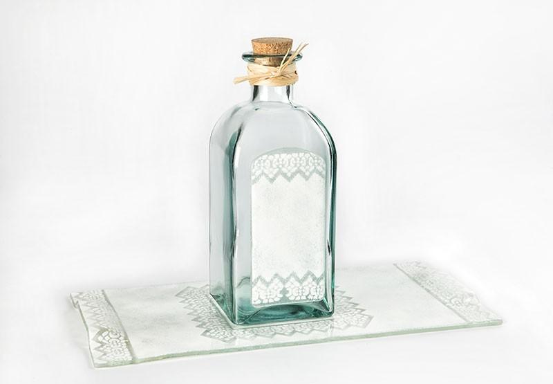 Bandeja con botella licor